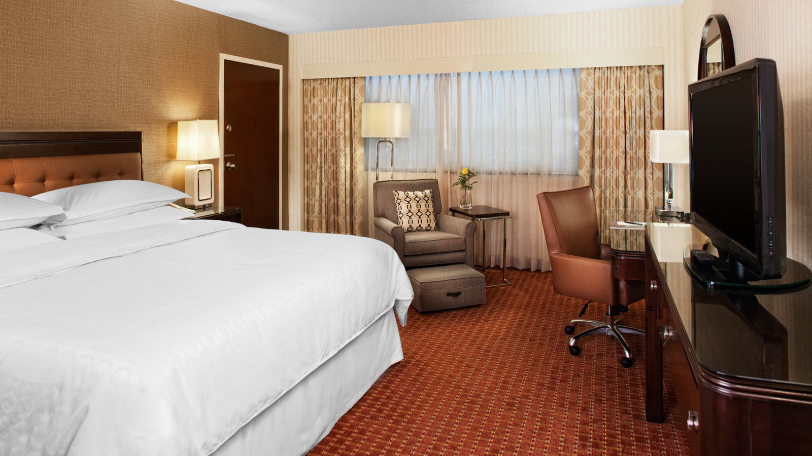 Deluxe Rooms | Sheraton Detroit Metro Airport
